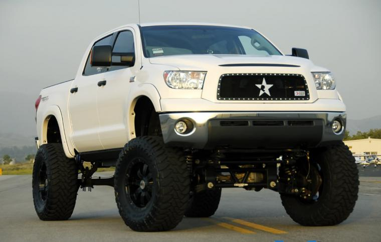 Lifted Toyota Trucks Images Pictures   Becuo