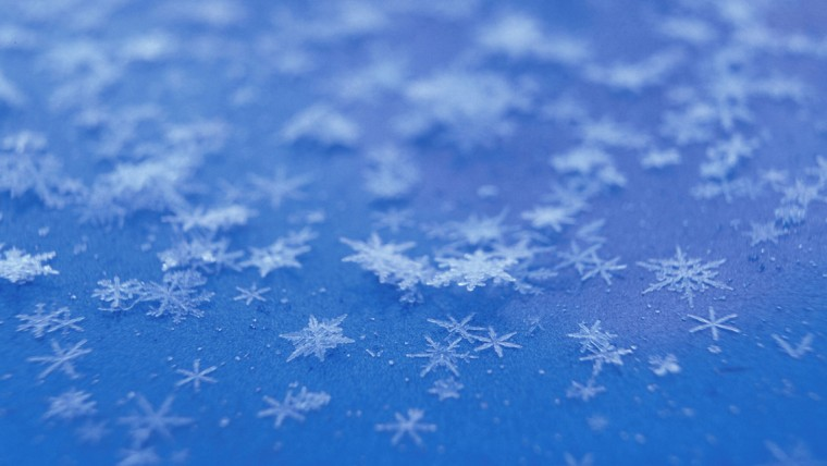 Beautiful Winter Snowflakes HD Wallpapers for iPhone 5