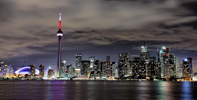 Toronto Skyline by basseca