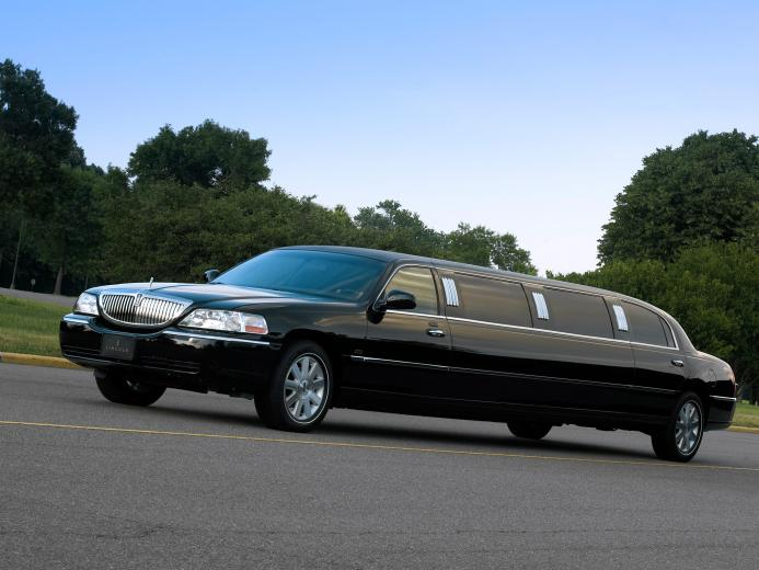 Lincoln Town Car Limousine wallpaper 2018 in Lincoln