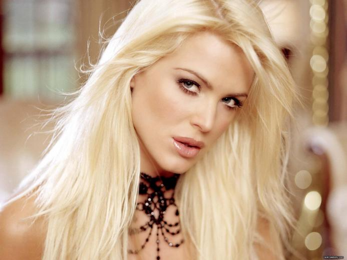 Victoria Silvstedt free wallpaper iOS Mode