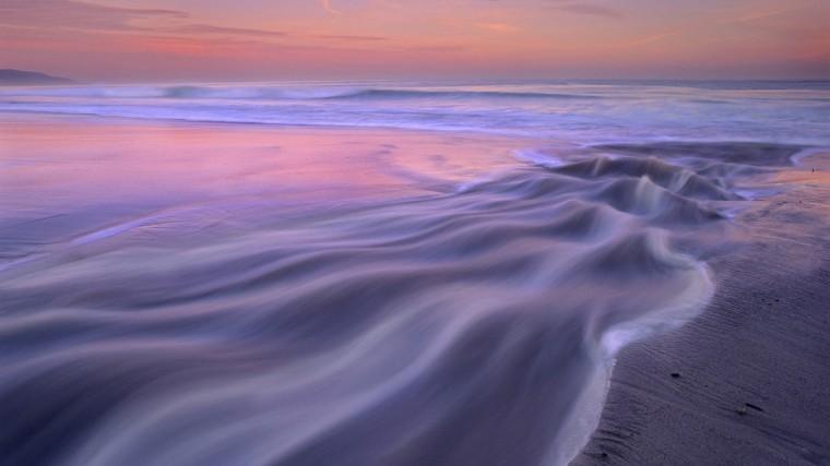 Beautiful ocean waves wallpaper 13813