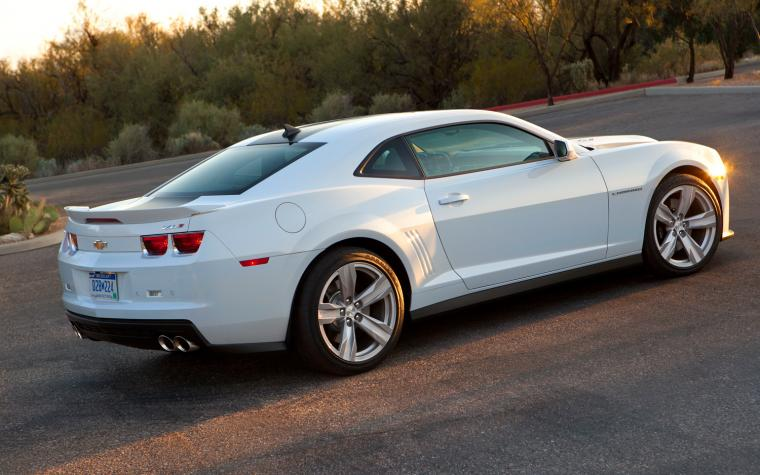 White Chevrolet Camaro ZL1 Wallpaper   HD