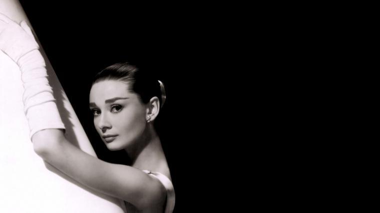 Audrey Hepburn Backgrounds   Wallpaper High Definition High Quality