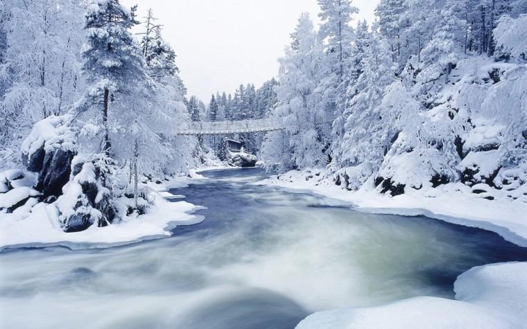 25 Beautiful Winter Wallpapers   Design Reviver   Web Design Blog