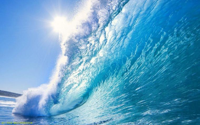 Download Beautiful Ocean Wave Wallpaper