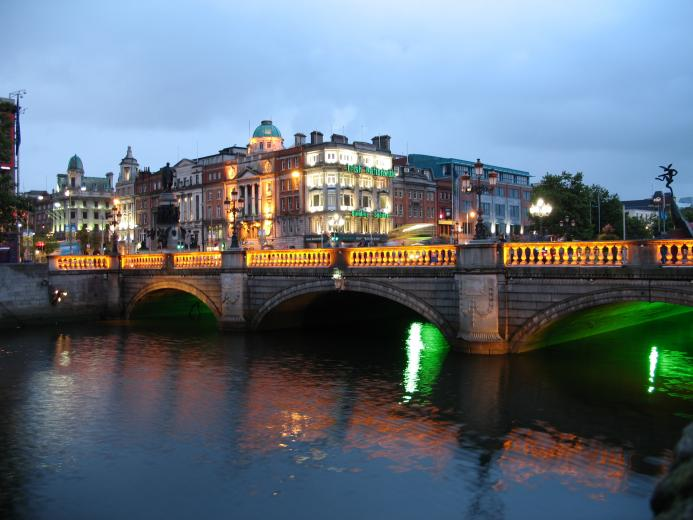 Dublin Ireland At Night Wallpaper 3072 x 2304 Wallpaper