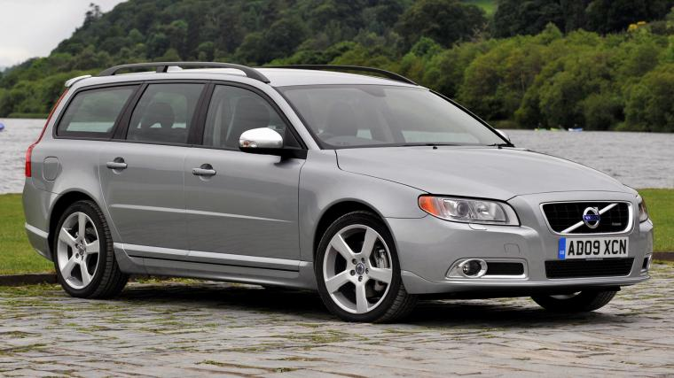 2009 Volvo V70 R Design UK   Wallpapers and HD Images Car Pixel