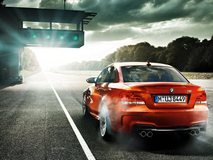 Stunning BMW 1M Coupe Widescreen Wallpapers Collection   My Car Portal