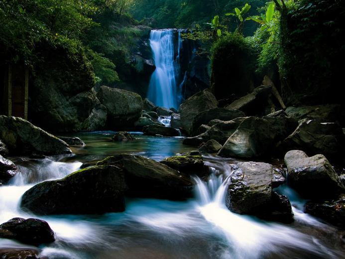 waterfall wallpaper waterfalls nature wallpaper 1600 1200 1402jpg