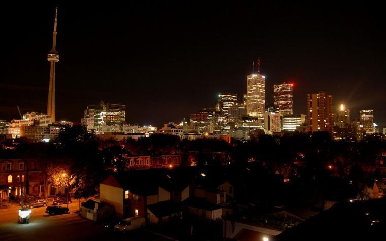 Download Toronto at night wallpaper