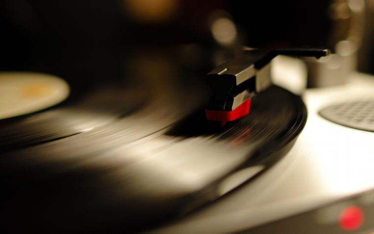2560x1600 Gramophone record desktop PC and Mac wallpaper