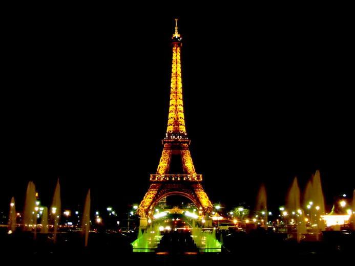 Paris Wallpaper   Eiffel Tower Arc de Triomphe Louvre mus Notre