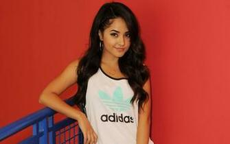 Becky G Shower wallpaper 9188