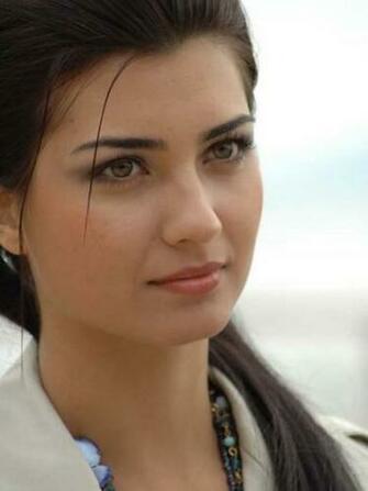 Most Beautiful Turkish Girl HD Mobile Wallpaper