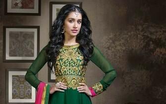 Shraddha Kapoor Indian Actress Panorama Download Desktop