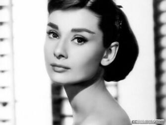 Audrey Hepburn Wallpaper 1600x1200 Audrey Hepburn Monochrome