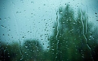 Rain on Window HD wallpaper
