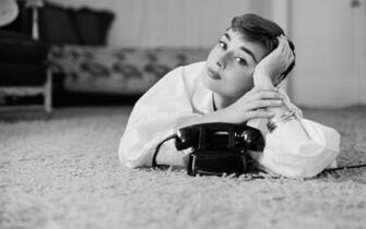Audrey Hepburn HD Wallpaper HD Wallpapers