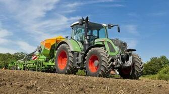 Image Agricultural machinery Tractor 2011 17 Fendt 714 2560x1440