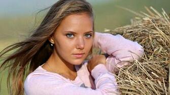 Katya Clover Cute Face Wallpaper HD   New HD Wallpapers