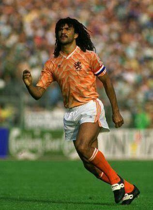 Ruud Gullit of Holland in action at Euro 88 Wallpapers