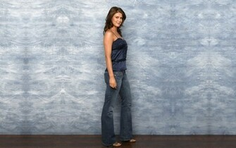 Sarah Lancaster wallpaper   Celebrity wallpapers   10394