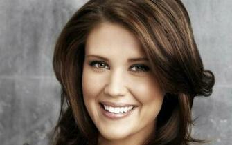 Sarah Lancaster Closeup wallpapers Sarah Lancaster