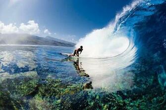 tahiti surf 550x366 Tahiti