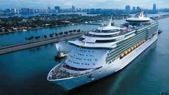 Download Wallpaper Cruise ship Navigator of the Seas 1920 x 1080 HDTV