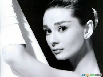 Audrey Hepburn Wallpaper 1024x768