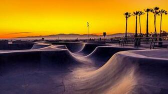 Sunset over Venice Beach skatepark California USA Windows 10