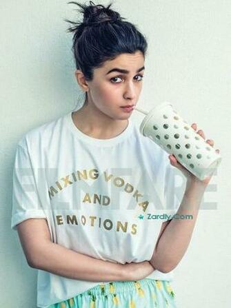Alia Bhatt Bold Beautiful Pictures And Wallpapers 2019 Zardly