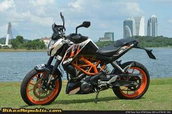 Revised 2017 KTM 390 Duke spotted testing   BikesRepublic