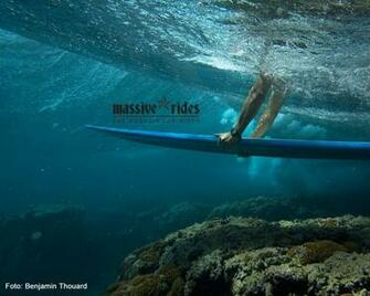 transworld surf hd wallpapers duck dive roxy surf wallpaper underwater
