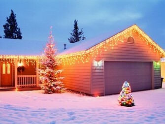 1024x768 Christmas House Decorations desktop PC and Mac wallpaper