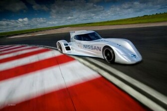 World Fastest Electric Car 2015 Nissan ZEOD RC Car Review Wallpapers 8