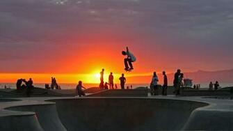 Skateboarding at Venice Beach California wallpaper by T1000