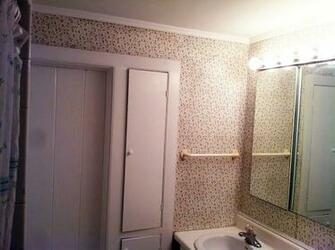 Wallpaper repair Crown molding Painting   Traditional   Bathroom