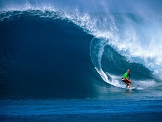 Hawaii Surfing Dangerous Waves New Stylish Wallpaper
