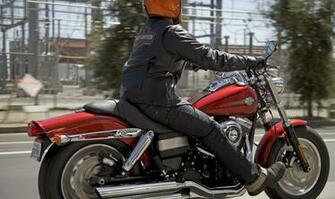harley davidson fat bob 2013 in motion images and wallpapers
