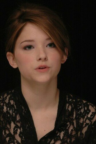 Haley Bennett Wallpaper Actress