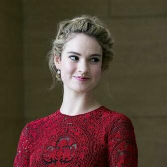 2048x2048 2019 Lily James Ipad Air Wallpaper HD Celebrities 4K