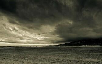 Wallpaper Wednesday Week 9 La Grande Storm dHb Photography