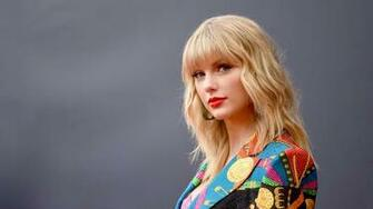 3 Lessons From Taylor Swifts Surprise Folklore Album Inccom