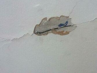 walls   How can I tell if I have rock or wood lath plaster and is
