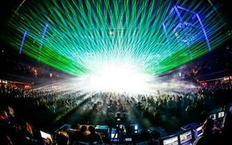Rave Laser Concert Crowd wallpaper 1920x1200 35334 WallpaperUP