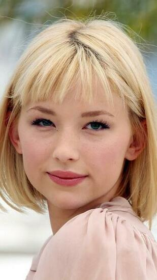 Haley Bennett Android Wallpaper Wallpaper CloudPix