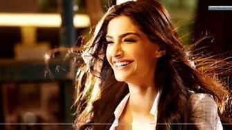 Sonam Kapoor Laughing In I Hate Luv Storys Wallpaper