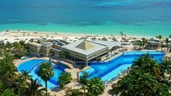 Caribbean Beach Resort HD Wallpaper of Beach   hdwallpaper2013com